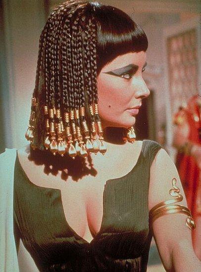 Cleopatra - Mulher Singular